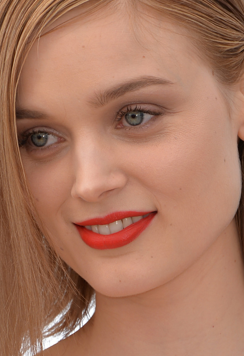 Bella Heathcote The Neon Demon Cannes photocall 2016
