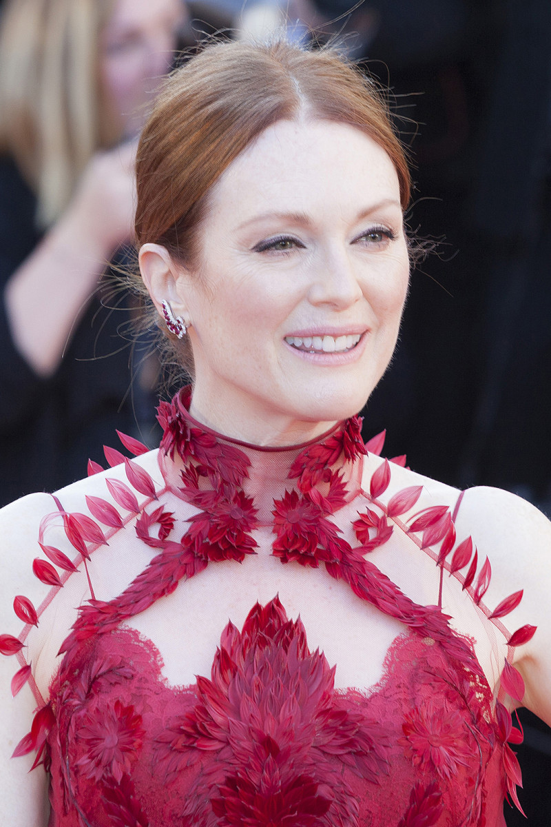 Julianne Moore Ismael's Ghosts Cannes premiere 2017