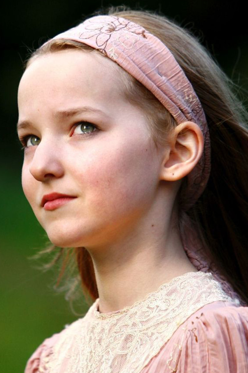Dove Cameron The Secret Garden 2008