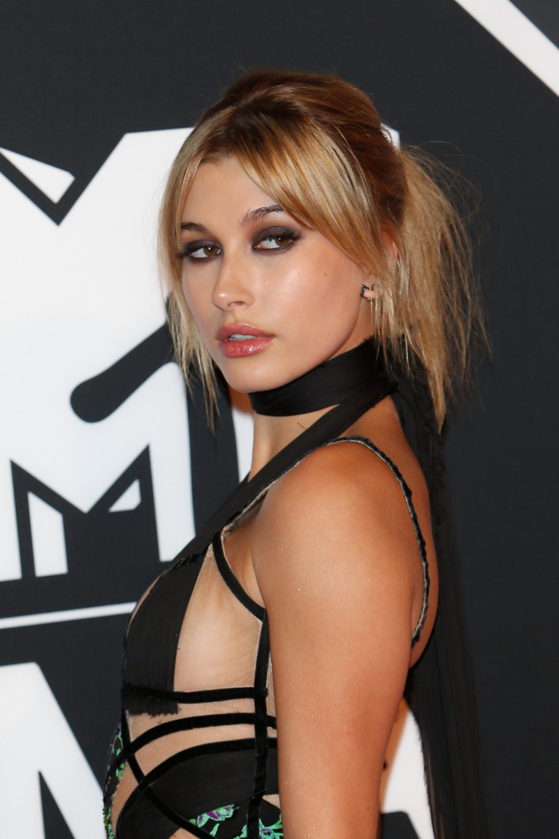 Hailey Baldwin MTV Europe Music Awards 2015