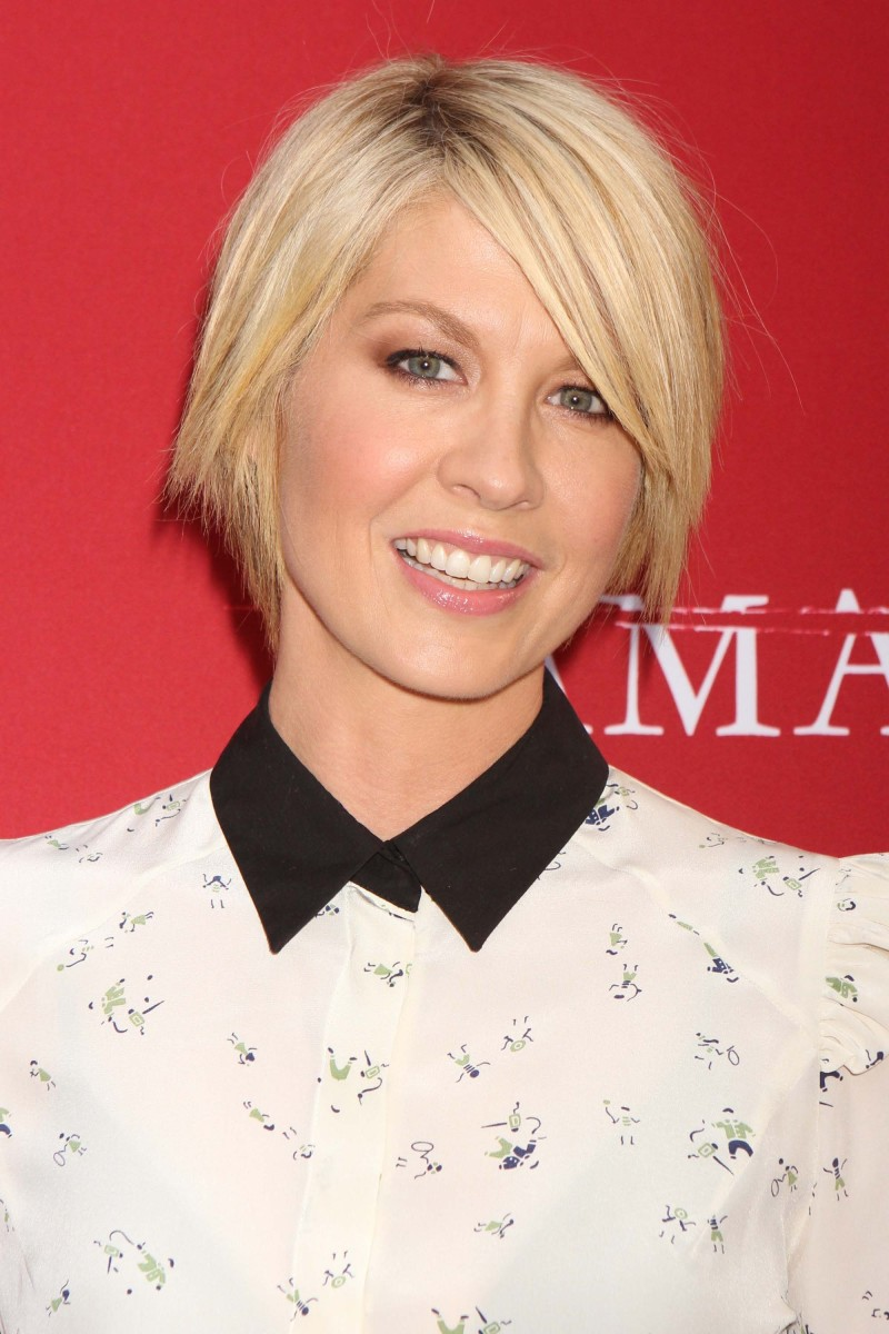 Jenna Elfman Damages Season Five premiere 2012