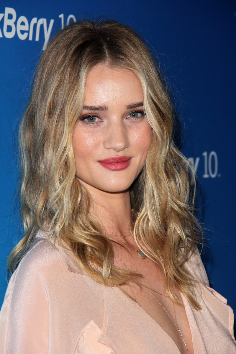 Rosie Huntington-Whiteley Blackberry Z10 Smartphone launch 2013