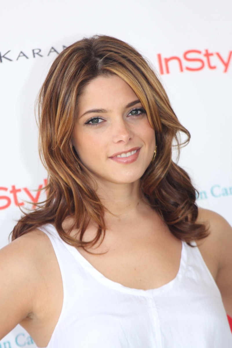 Ashley Greene Super Saturday to Benefit Ovarian Cancer 2010