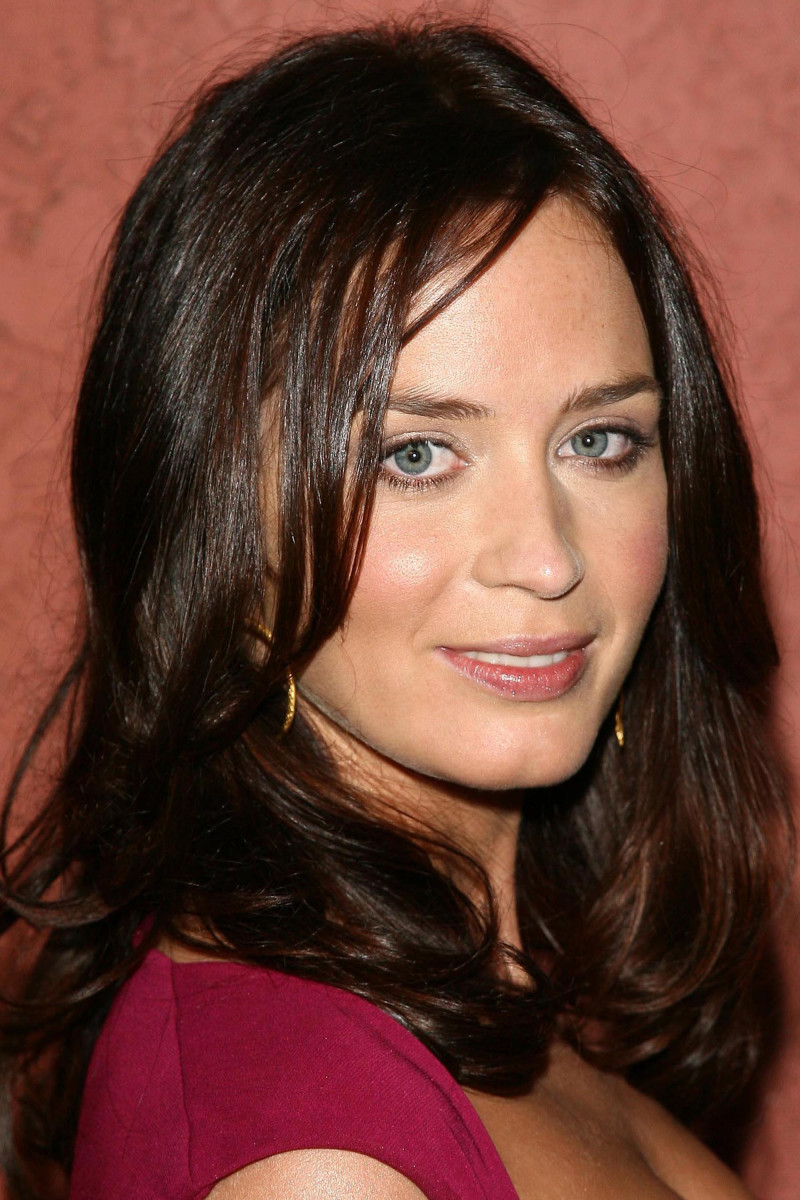 Emily Blunt Hollywood Life Breakthrough of the Year Awards 2006