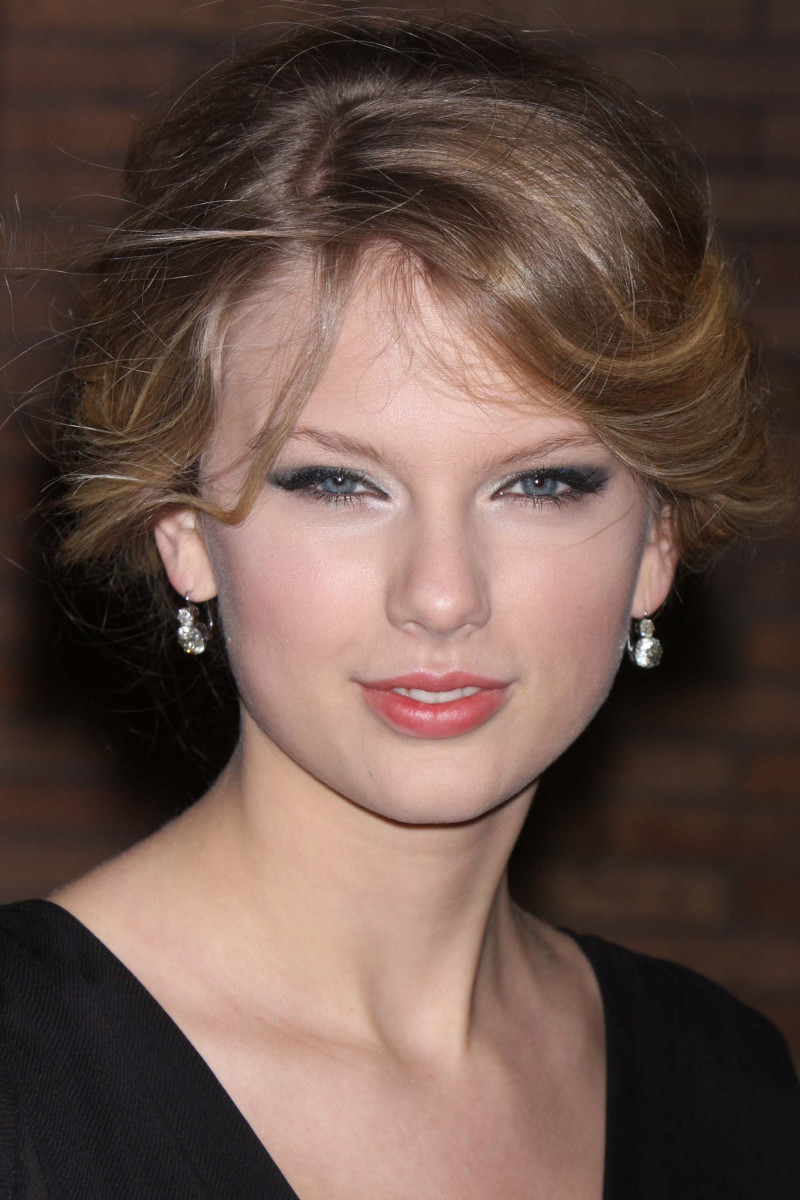 Taylor Swift Glamour Women of the Year Awards 2008