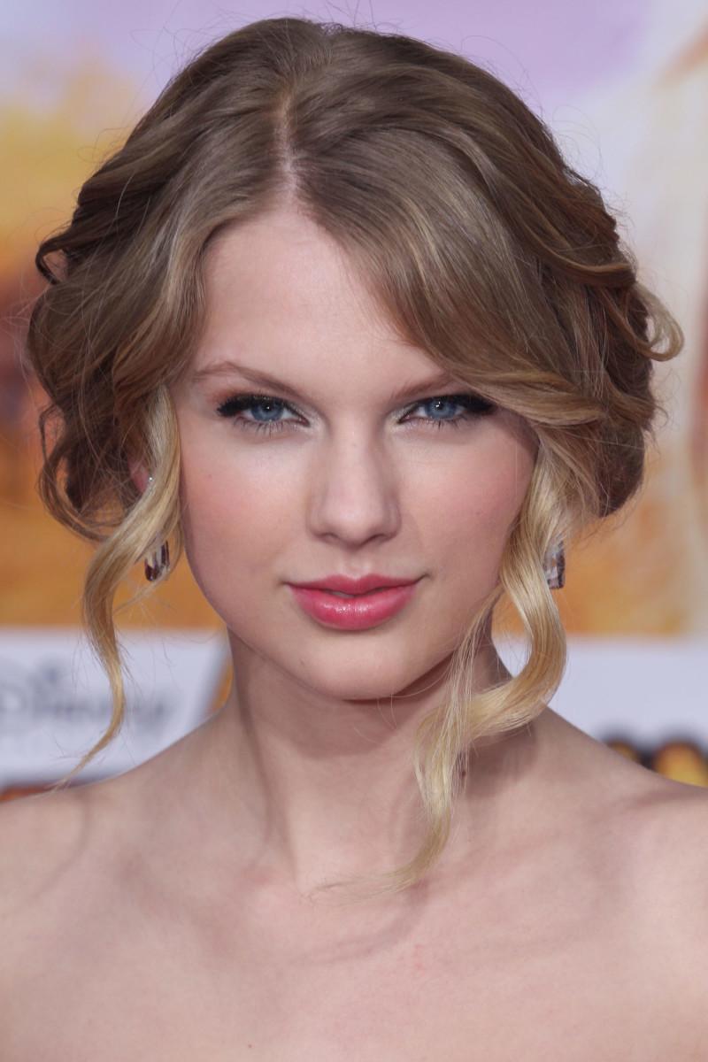 Taylor Swift Hannah Montana The Movie world premiere 2009