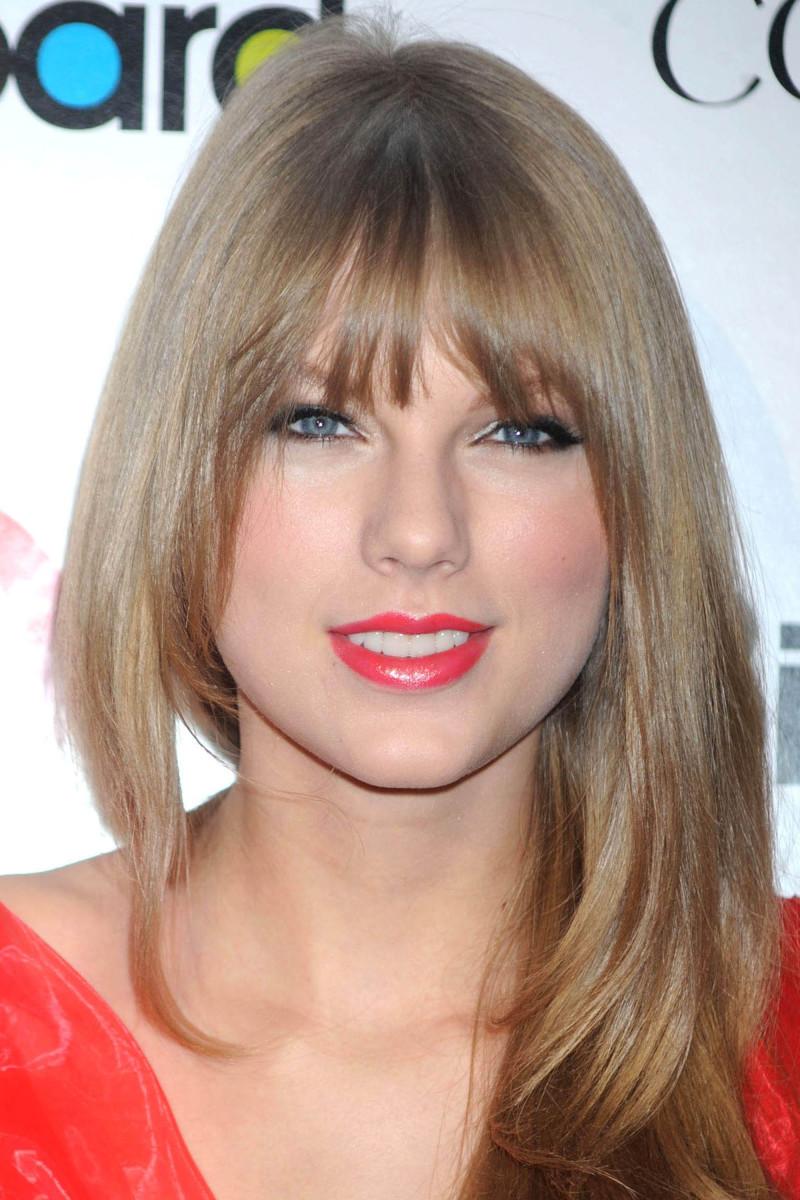 Taylor Swift Billboard Women in Music 2011