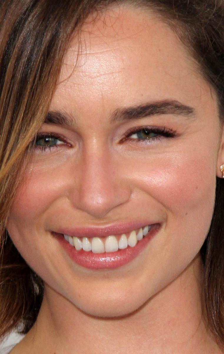 Emilia Clarke Independent Spirit Awards 2016 close-up