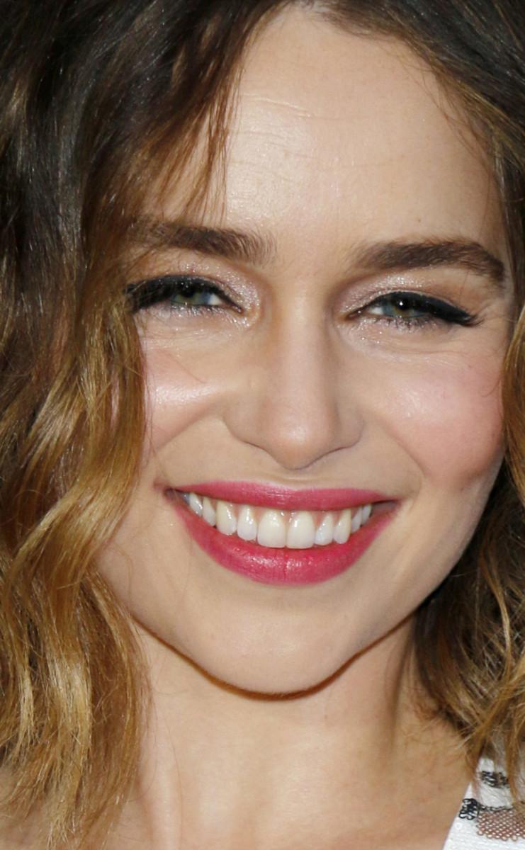 Emilia Clarke MTV Movie Awards 2016 close-up