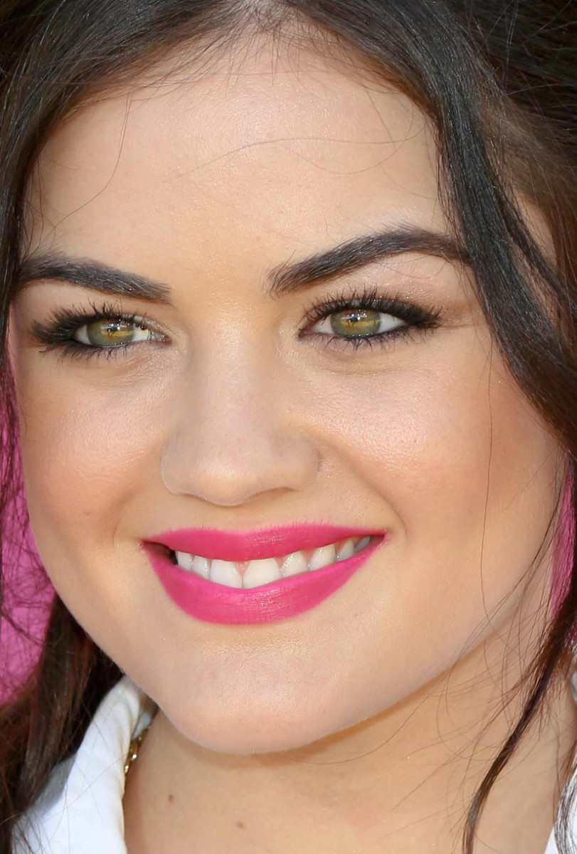 Lucy Hale Kids' Choice Awards 2013 close-up