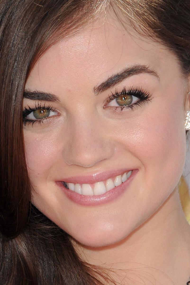 Lucy Hale MTV Movie Awards 2010 close-up