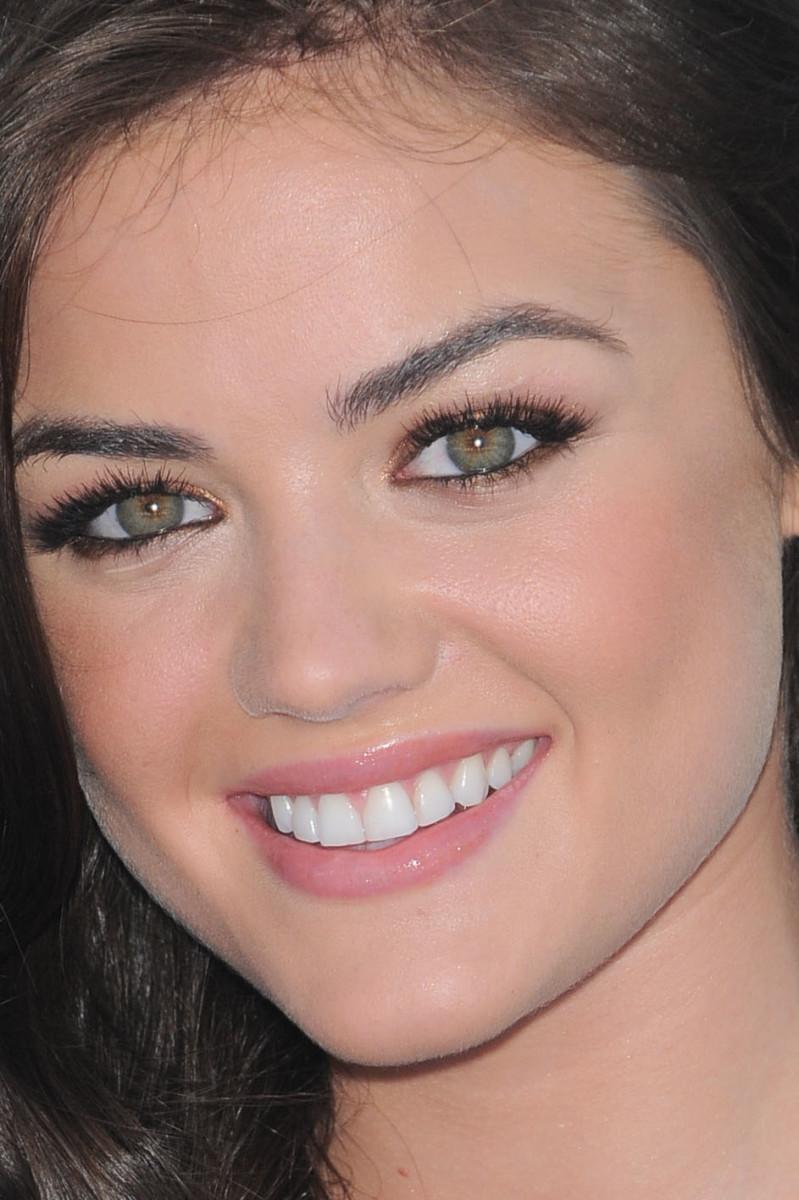Lucy Hale Teen Choice Awards 2010 close-up