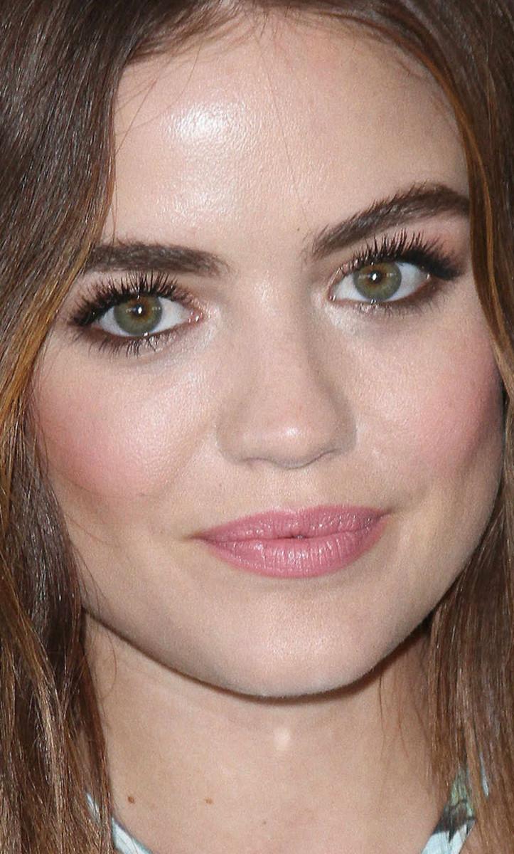 Lucy Hale Teen Choice Awards 2016 close-up