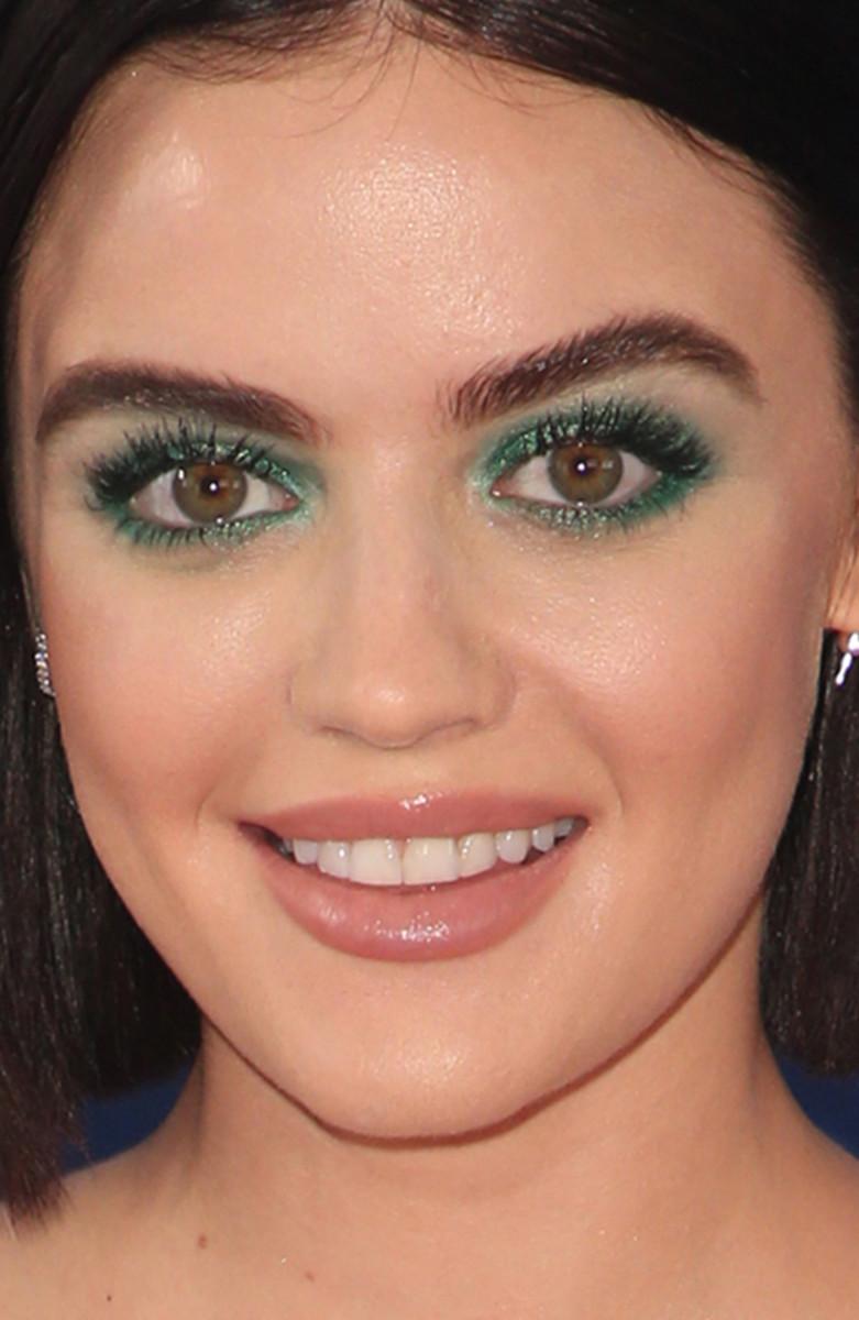 Lucy Hale Teen Choice Awards 2018 close-up