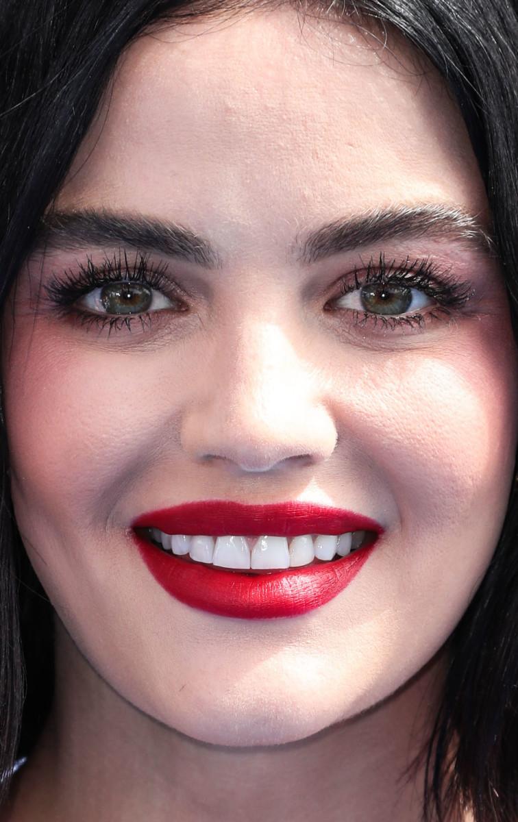 Lucy Hale Teen Choice Awards 2019 close-up