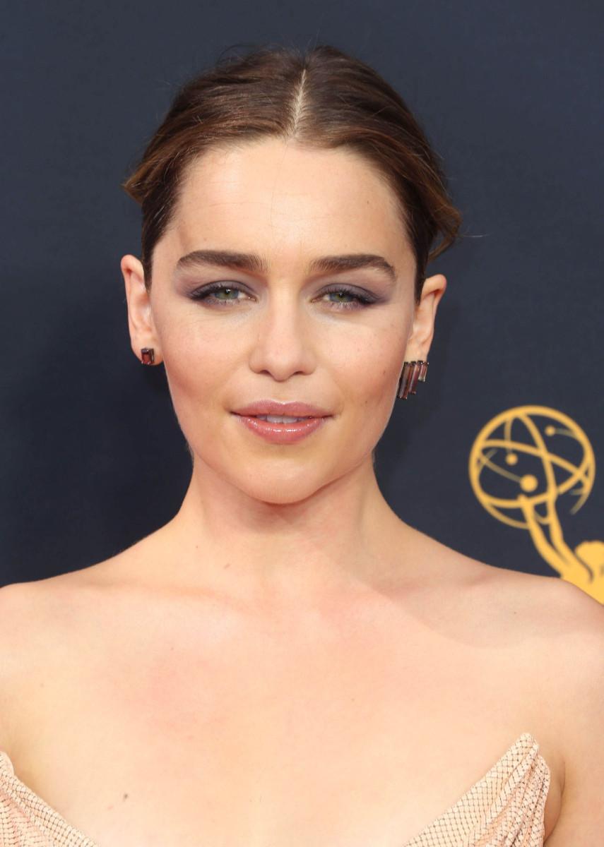 Emilia Clarke Emmys 2016