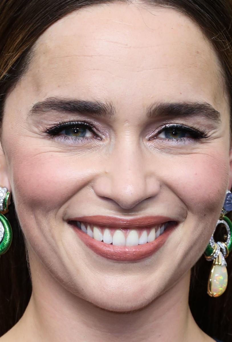 Emilia Clarke Emmys 2019 close-up