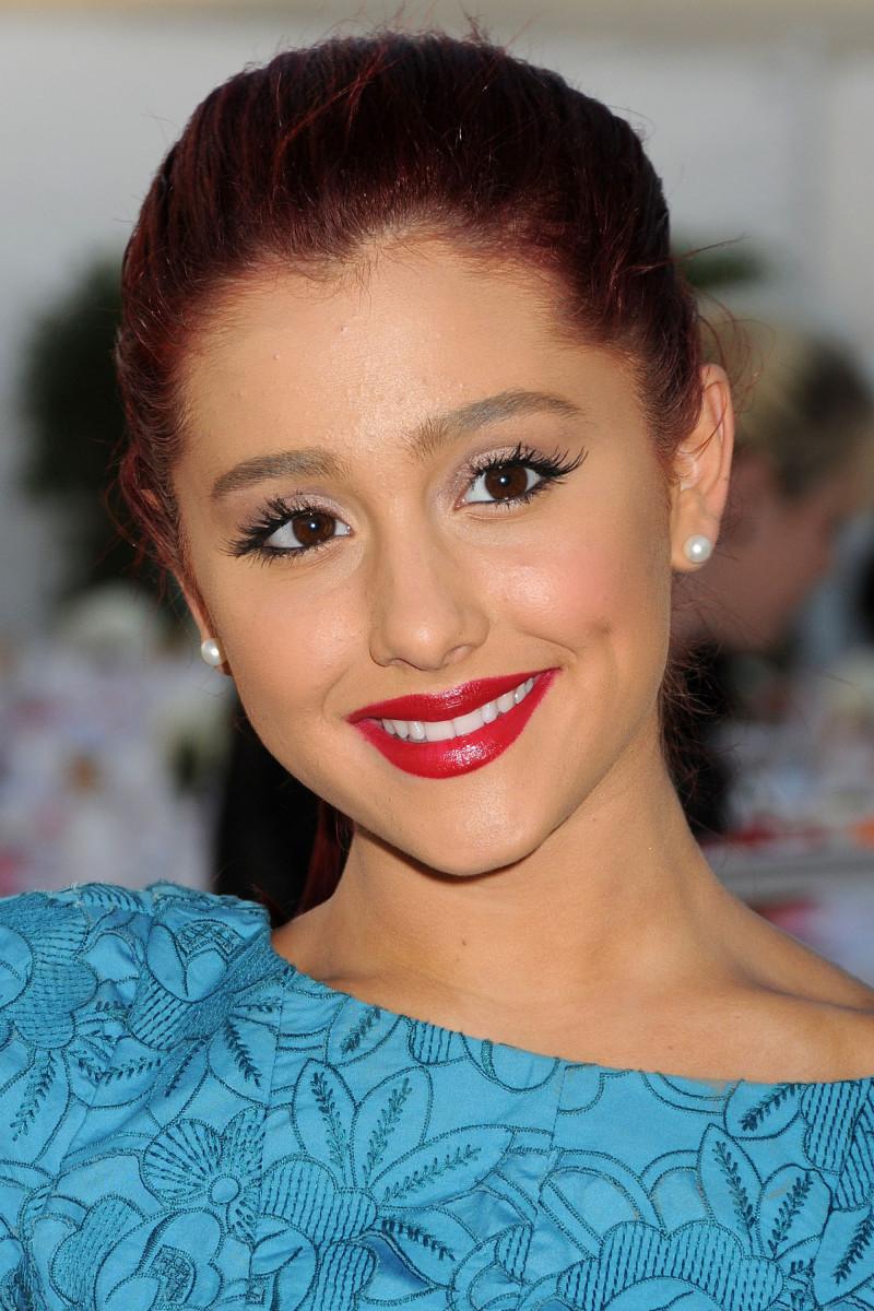 Ariana Grande Angel Awards 2011